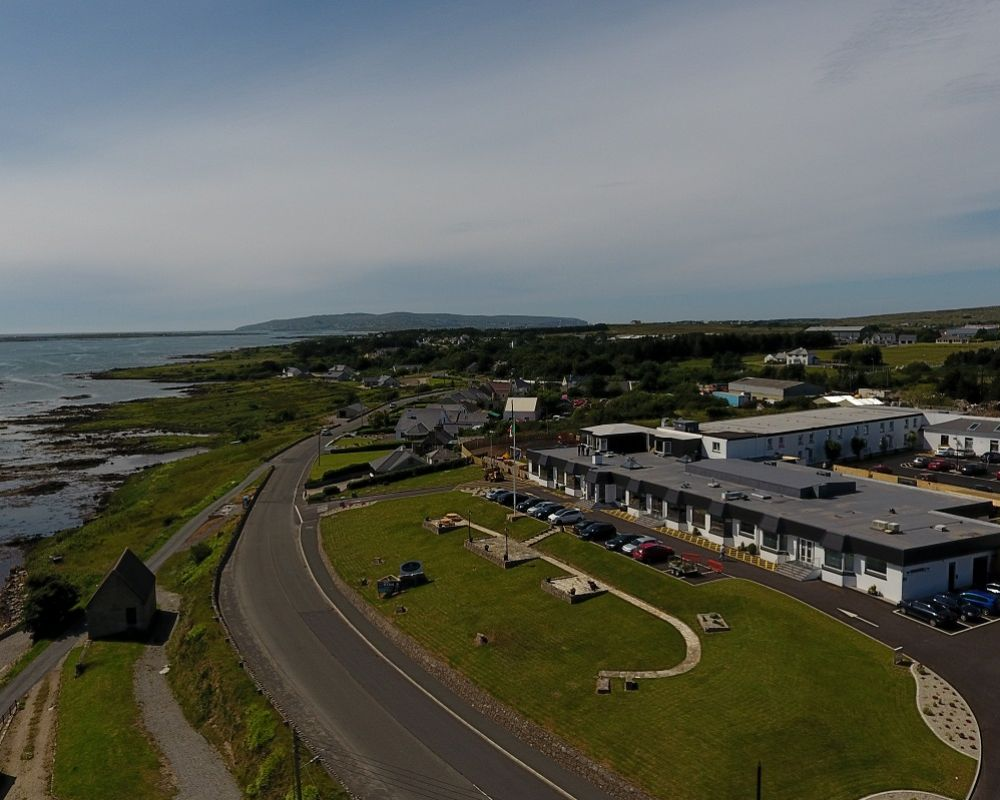 Overlooking Dungloe Bay on the north west coast of Donegal. The perfect location to enjoy easy access to Donegal Airport, Arranmore, Tory Island, Glenties, Ardara, Letterkenny, Donegal and the North West .